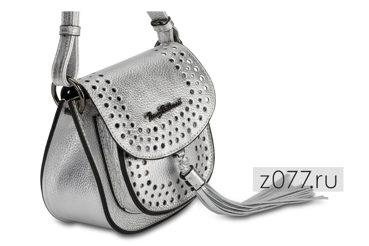 серебристая женская сумочка