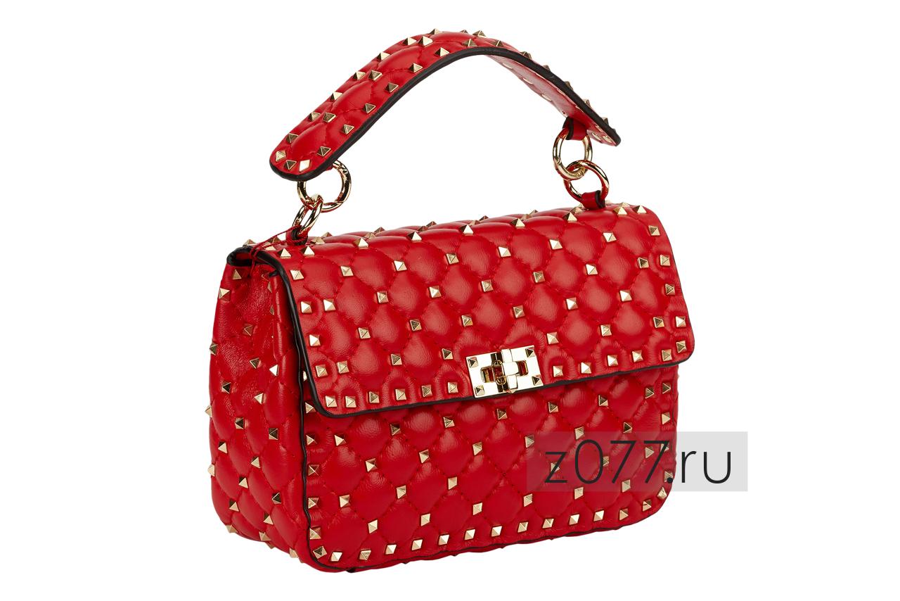 ярко-красная женская сумка