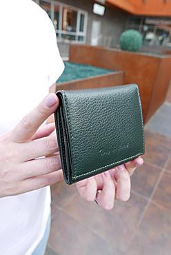 Tony Bellucci кошелек женский темно-зеленый