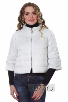 Белая весенняя куртка